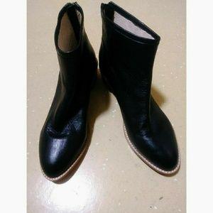 Kristin Cavallari boots SZ 9M